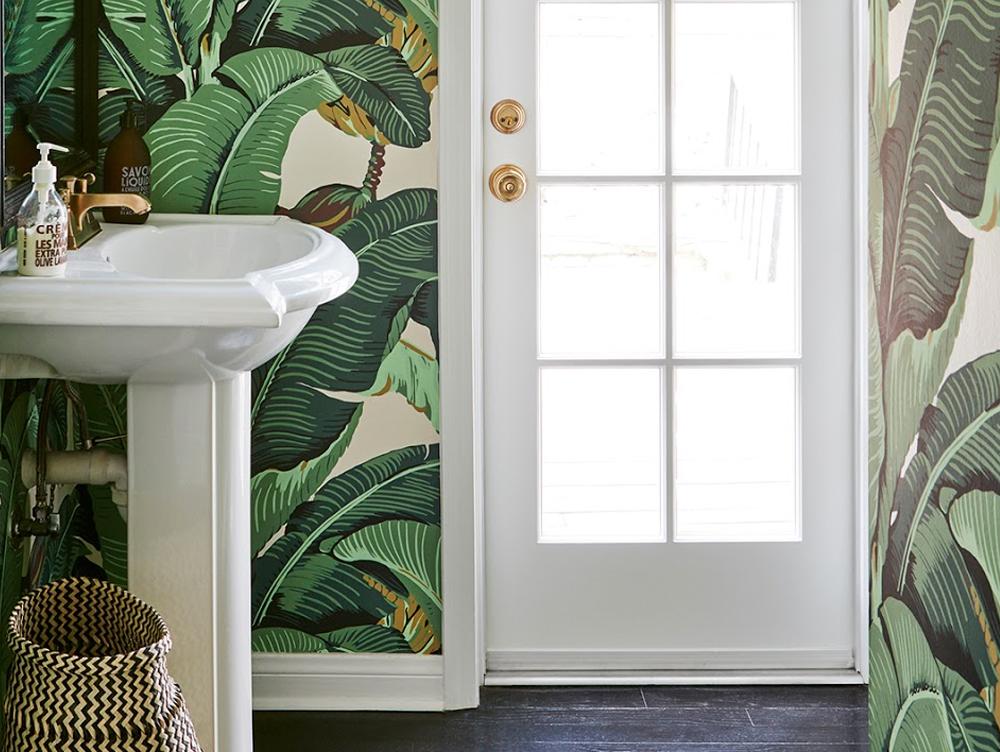 Dekorer dit badeværelse med tapet -