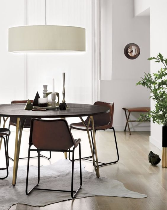 Skab hygge ved spisebordet med en oversize pendel -