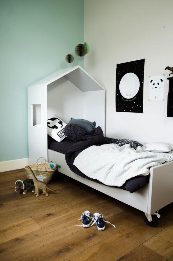 minihus i b rnev relset. Black Bedroom Furniture Sets. Home Design Ideas