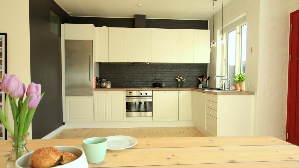 Moderne og råt køkken før og efter   altomindretning.dk