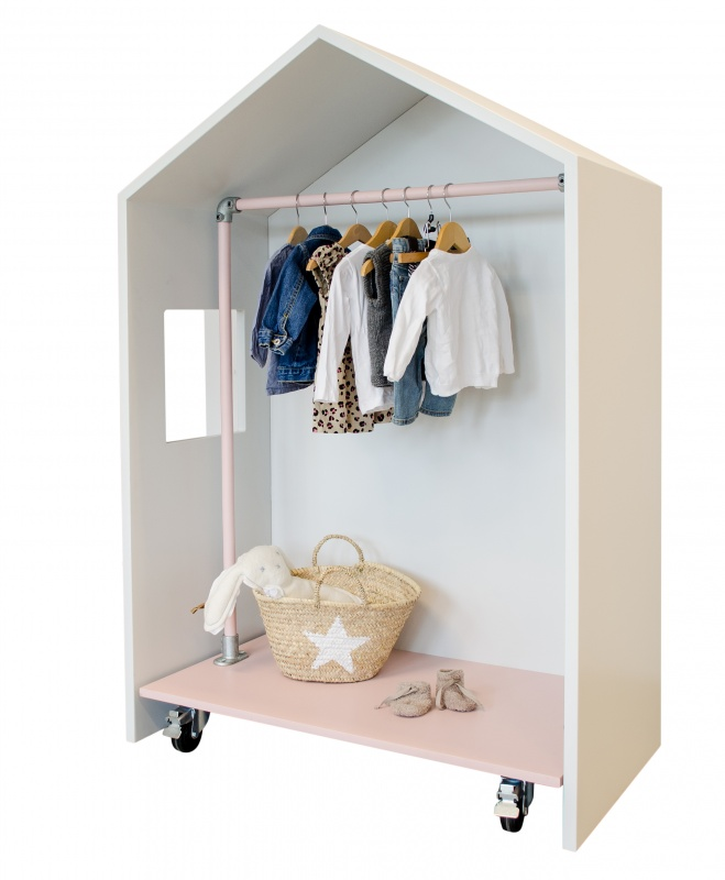 Altomindretning_indretning_børneværelse_hus til garderobe_1