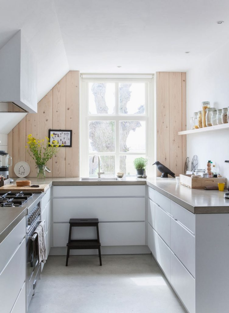 Altomndretning_køkkenindretning_materialer_beton_træ_1