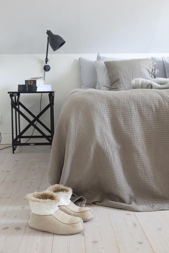 Indretning af soveværelse med lækre tekstiler   boliginspiration
