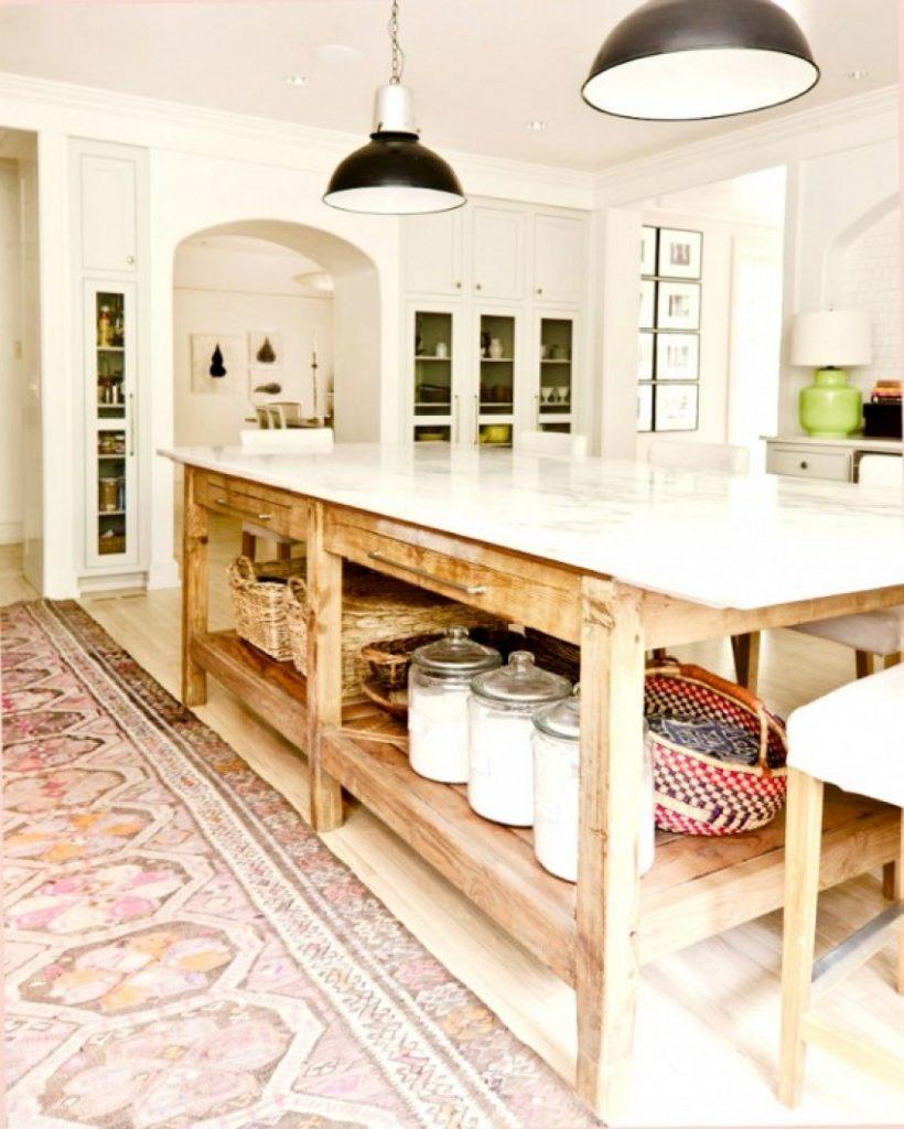 Køkkenø med landligt look -