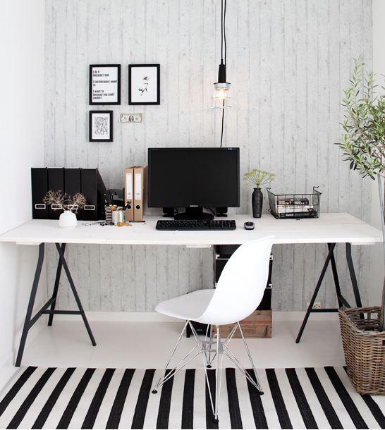 hjemmekontor med tapet dekoration
