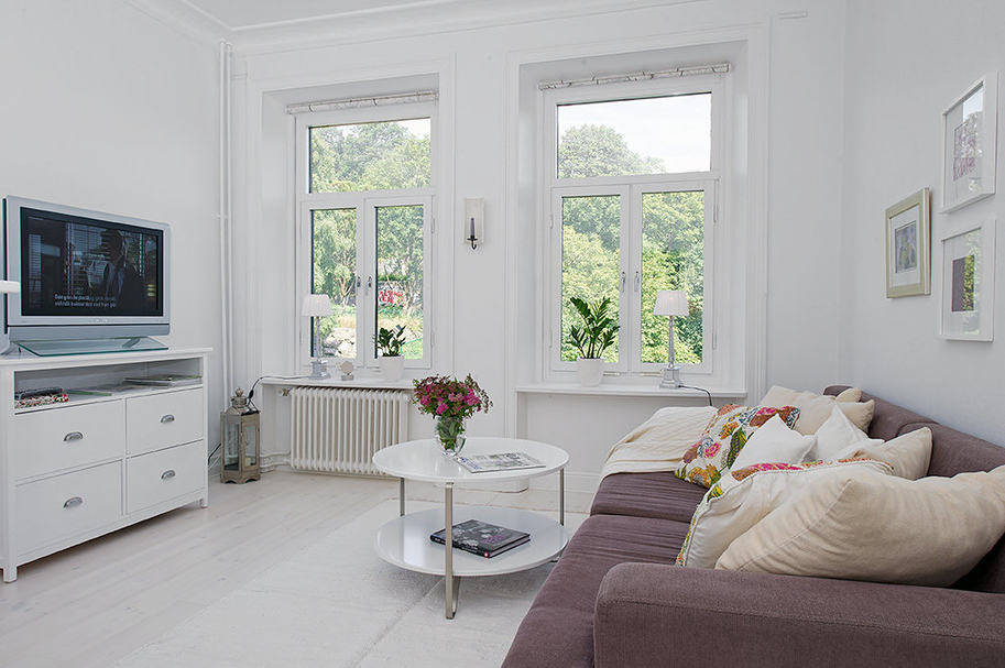Stue og soveværelse i et  værelses lejlighed   altomindretning.dk