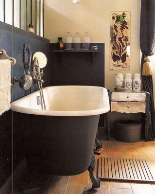 Indretning af badeværelse med et løvefod badekar   boliginspiration