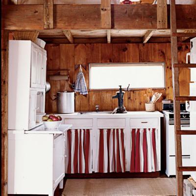 Åbne hylder i køkkenet