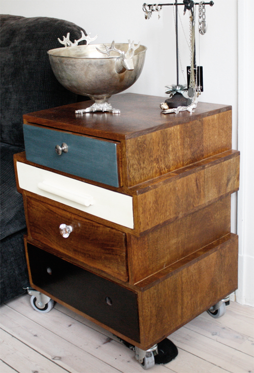 Sengebord et retro mix   altomindretning.dk